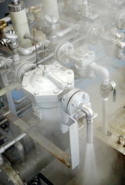 图1 真正高效的疏水阀会尽量把热量留在蒸汽系统里,优化生产效率,提高换热品质,并及时排除冷凝水以确保系统的安全与稳定。蒸汽系统问题的主要原因往往在于冷凝水无法有效排除。